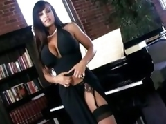 Scorching sexy Lisa Ann shows off her amazingly sexy body