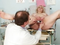 Big boobs mommy gets her holes properly checked by a doc