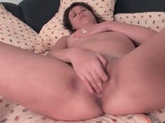 Cute dark brown older masturbates her pussy lustily