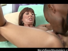 Mature woman takes a chubby black cock