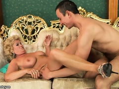 Big-breasted slut Effie caress that hungry and youthful bazooka