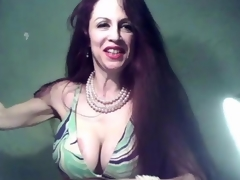 Sexy milf fingering their way full-grown detonate online